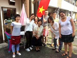 ベトナム料理記念撮影