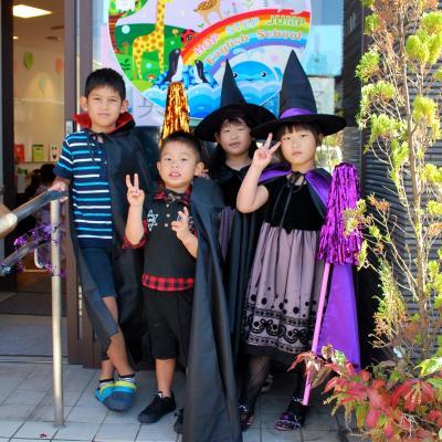 ハロウィン子供達衣装魔女